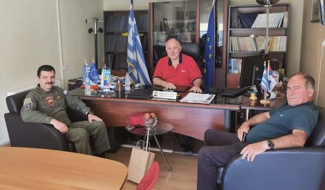 Συνάντηση νέου Διοικητής 1ης ΤΑΞΑΣ με Δήμαρχο Ρήγα Φεραίου