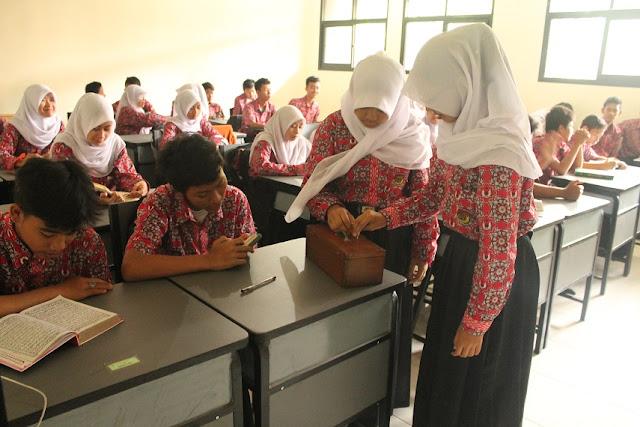"""Infaq Masuk Dalam Daftar Pungli, Sekolah Di Sukabumi Menolak: """"Ini Bertetangan Dengan Syariat Islam"""" : Berita Terbaru Hari Ini"""
