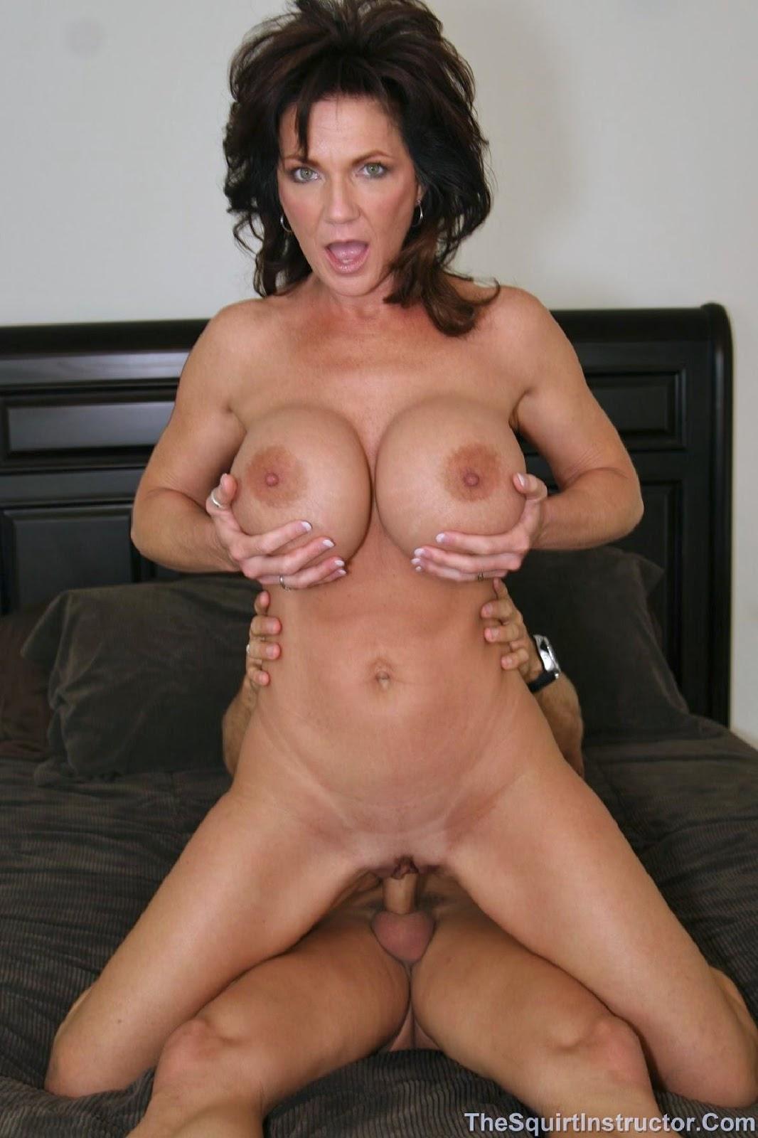 deauxma nude