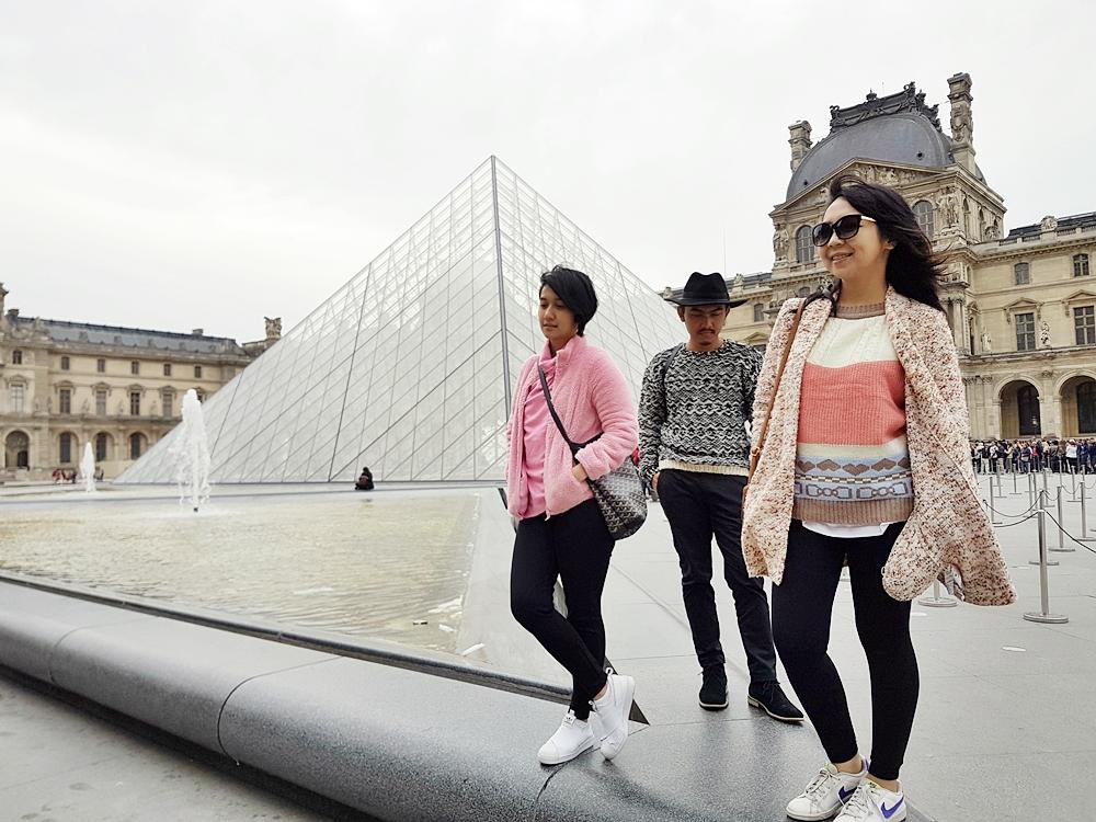 DELUXSHIONIST TRAVEL TO Musee de Louvre PARIS
