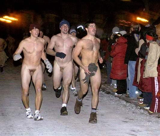 голые парни на майдане видео дом