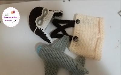 Conjuntinho Aviador de crochê foto Newborn