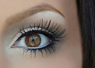 A lot of folks don't believe that white liner is attractive