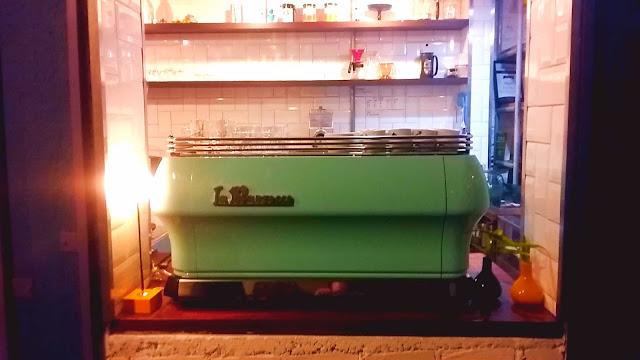 Máquina de espresso La Marzzocco Cafeteria Sofá Café