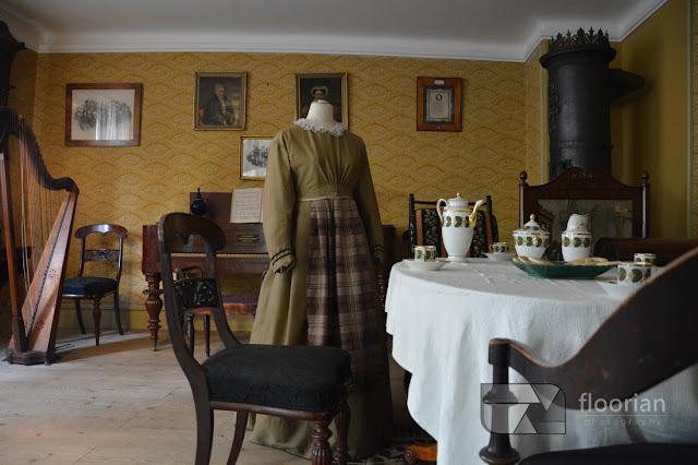 Alejki, domy i eksponaty w Den Gamle By w Duńskim Aarhus