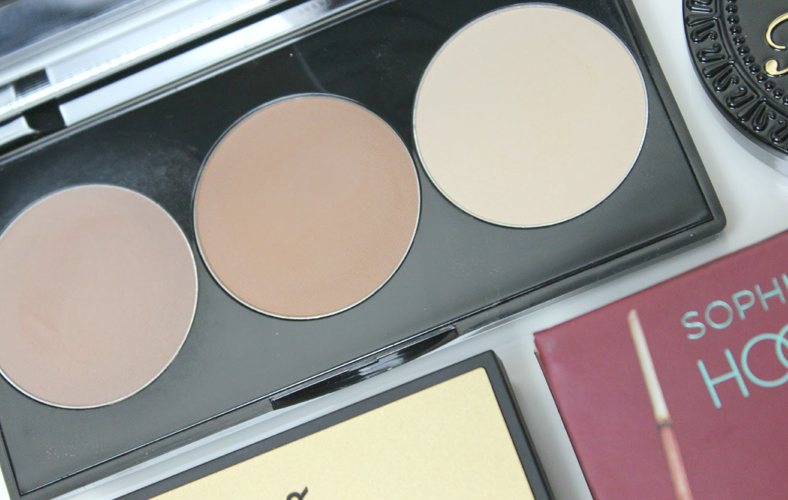 A picture of Smashbox Step-by-Step Contour Kit