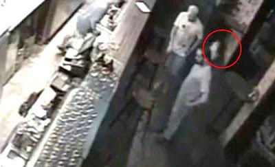 EXTRAÑO ENTE CAPTADO EN UN BAR DE SINGAPUR POR CAMARAS DE CCTV