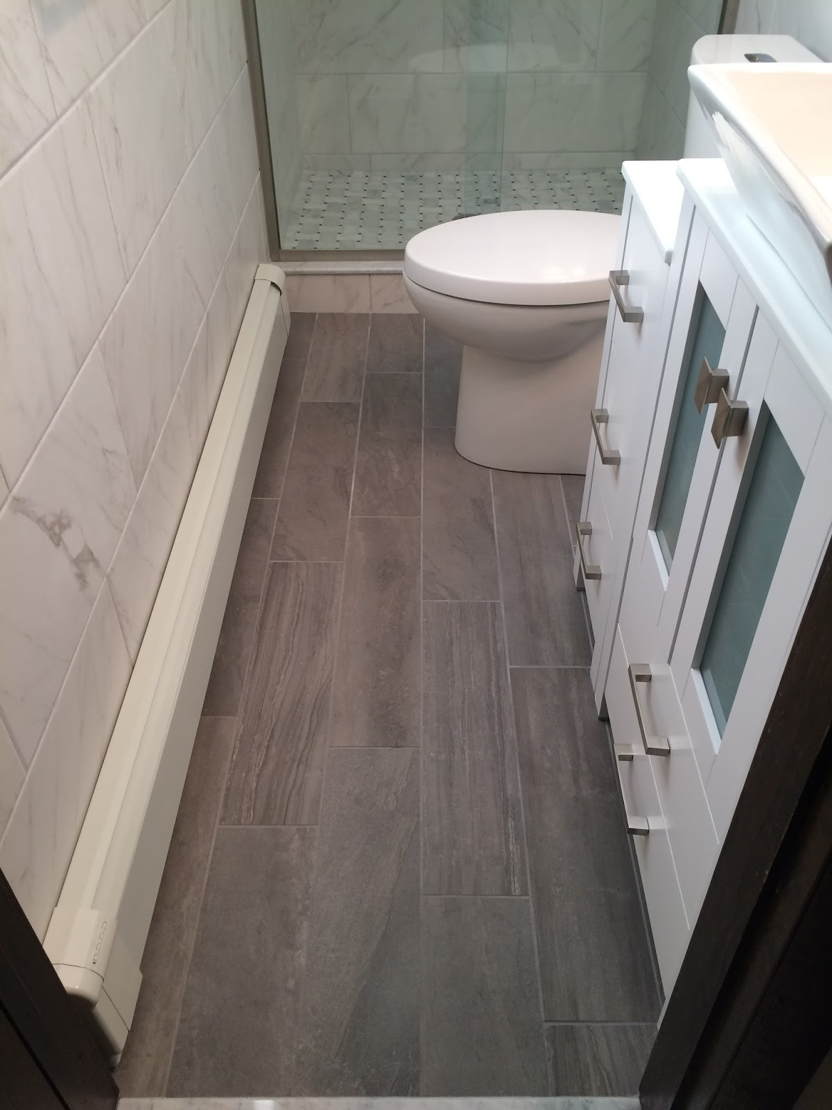 Custom bathroom remodeling modern porcelain planking floor tile with a random staggered pattern dailygadgetfo Images
