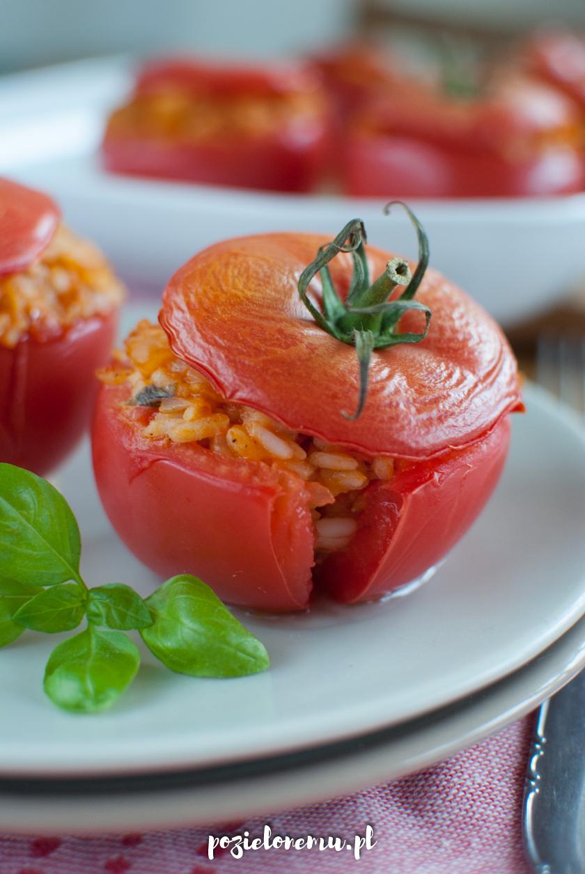 Pieczone pomidory faszerowane ryżem