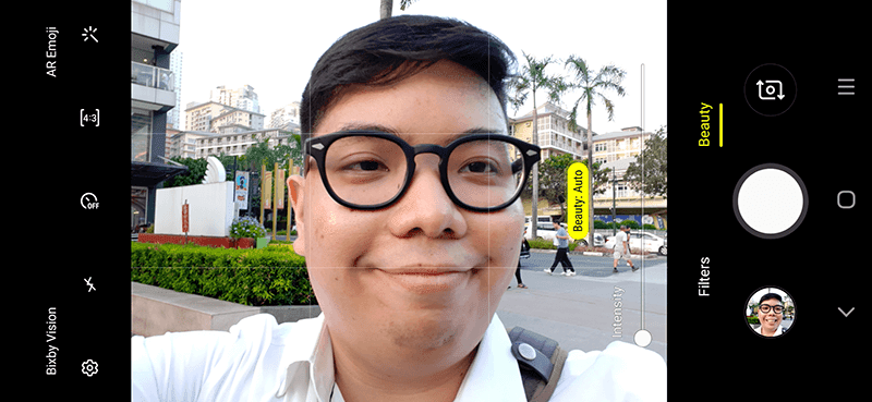 Selfie camera UI
