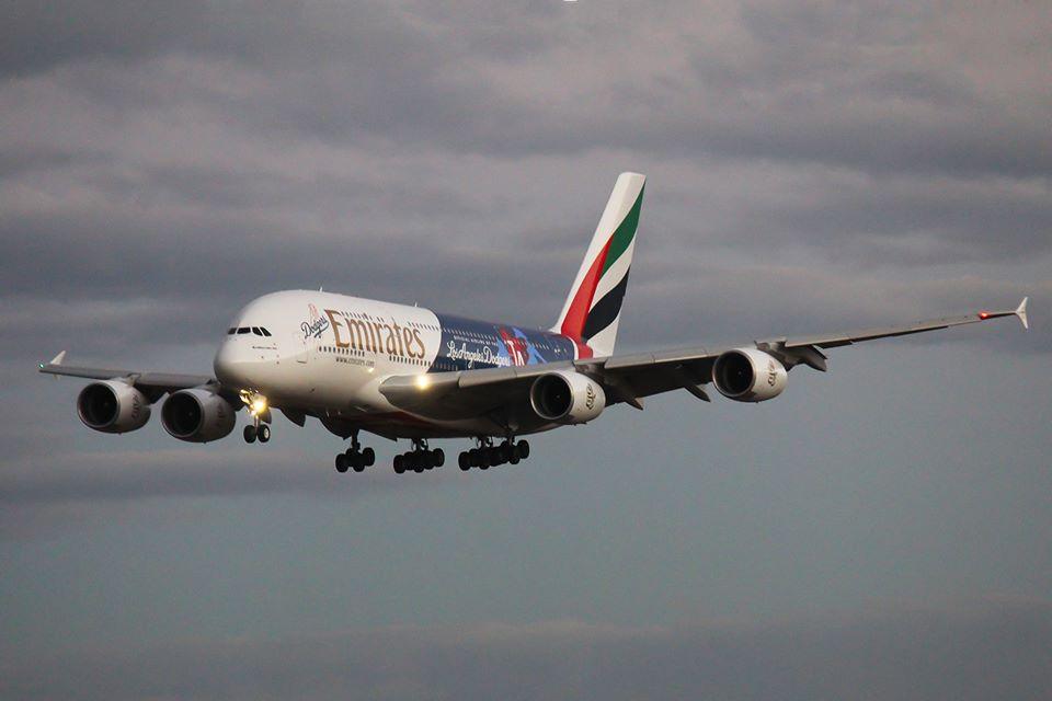 Perth Airport Spotter's Blog: Emirates A380-861 A6-EON EK420/421 'Los Angeles Dodgers c/s'