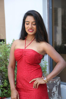 Mamatha sizzles in red Gown at Katrina Karina Madhyalo Kamal Haasan movie Launch event 201.JPG