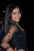 Sakshi Agarwal looks stunning in all black gown at 64th Jio Filmfare Awards South ~  Exclusive 068.JPG
