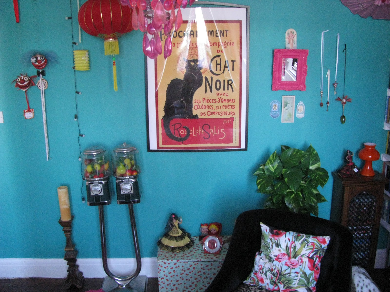 kitschy living room kitsch bedroom decor www indiepedia org 10863