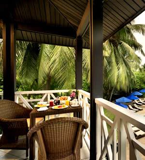 Labadi Beach Hotel Terrace Bar