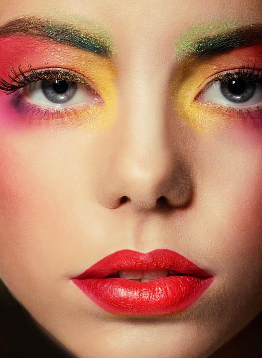 Life and Entertainment: Is Your Makeup Halal? The Halal Makeup