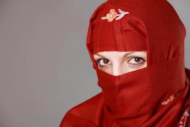 ニカブのムスリムファッション化