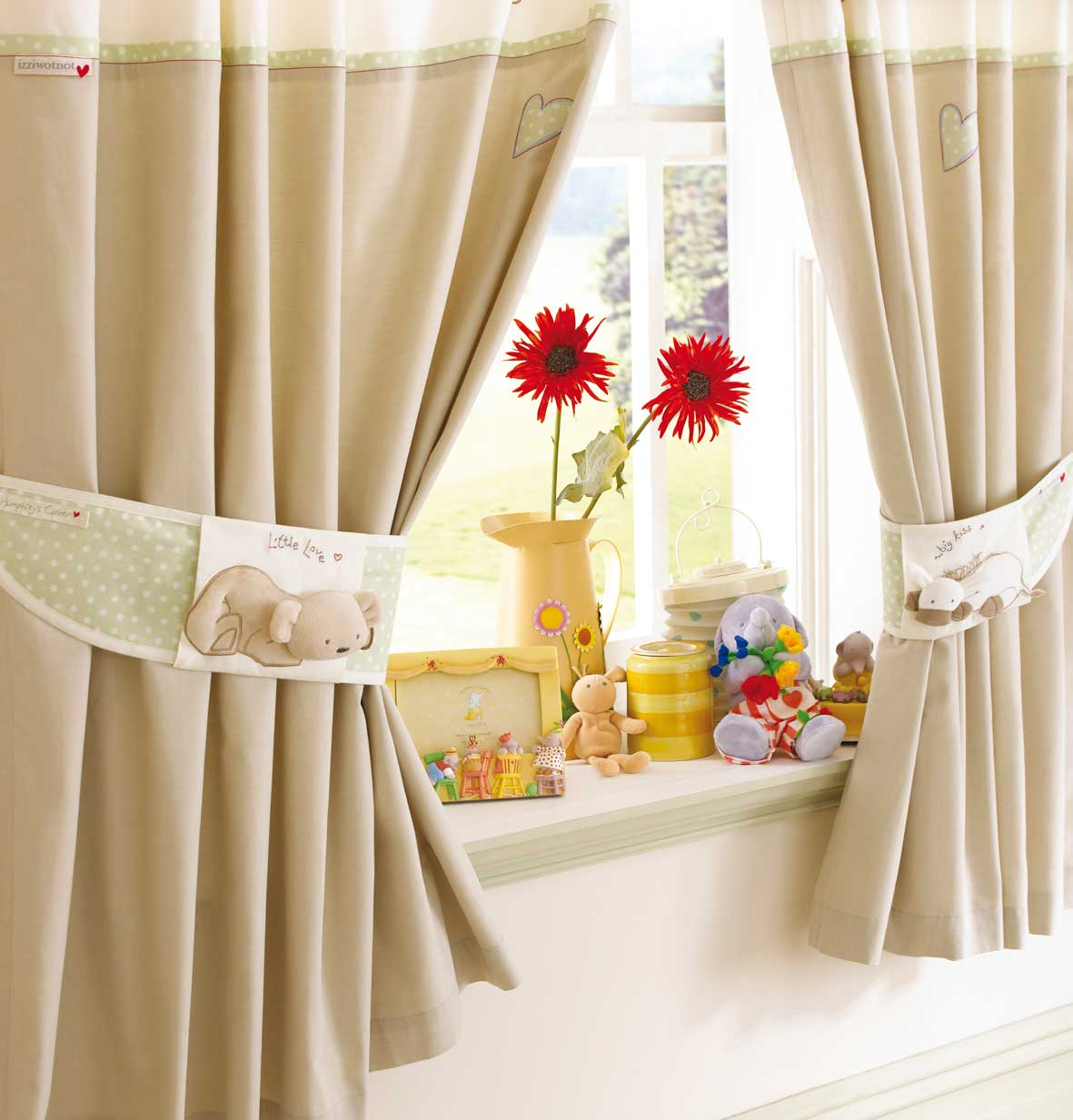 Curtains Designs Ideas
