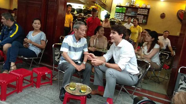 Tai day, thu tuong da co cuoc tro chuyen voi ong Nguyen Cong Hiep, mot nhan vien ky cuu cua Tong lanh su quan Canada tai thanh pho Ho Chi Minh