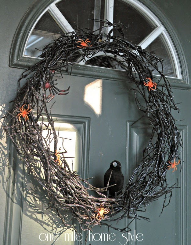 DIY Spooky Halloween Wreath with Black Crow