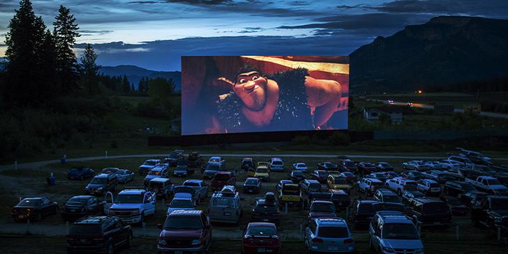 露天汽車電影院,汽車給讓人們的能動性得以展現