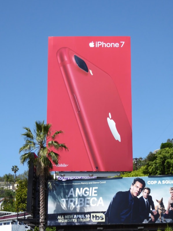 Apple iPhone 7 PRODUCT RED billboard