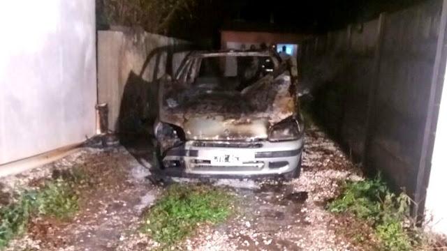 Se incendió un automóvil en la noche del Viernes