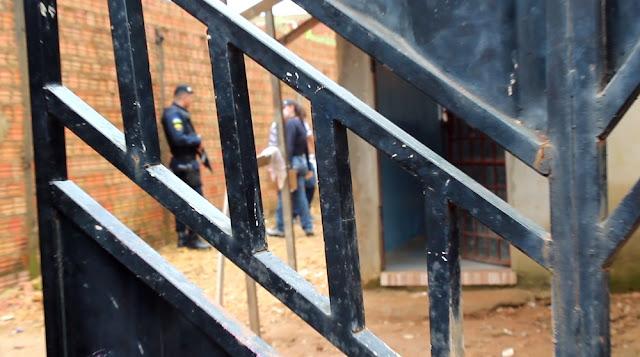 Homem com tornozeleira eletrônica é morto a tiros dentro de casa em Porto Velho