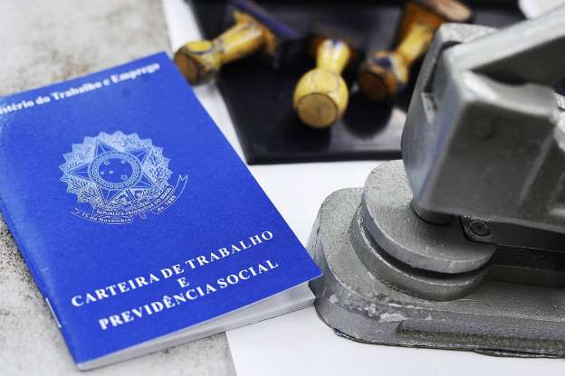 Juíza condena trabalhador que se acidentou a pagar 20 mil reais