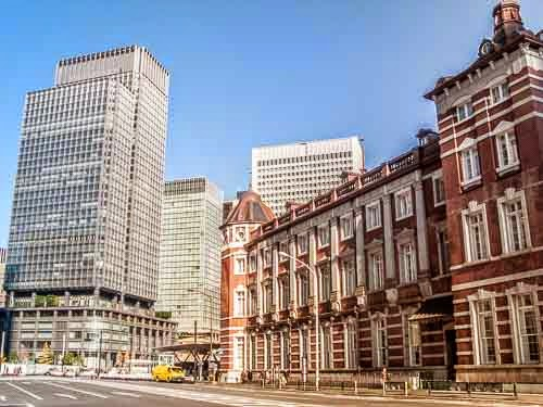 South side of Tokyo Station, with Marunouchi Building.