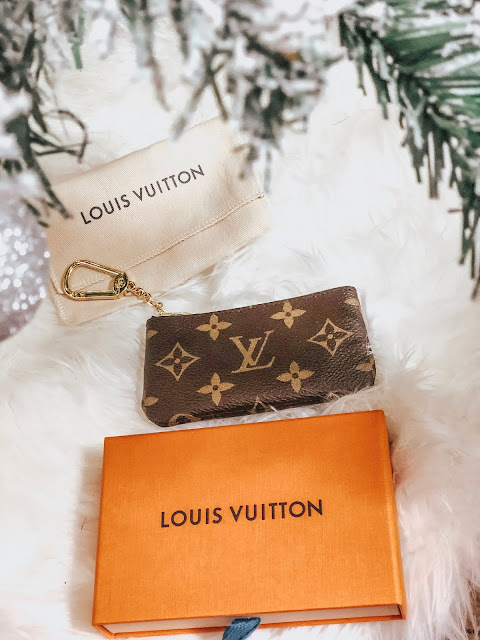 louis vuitton key pouch giveaway
