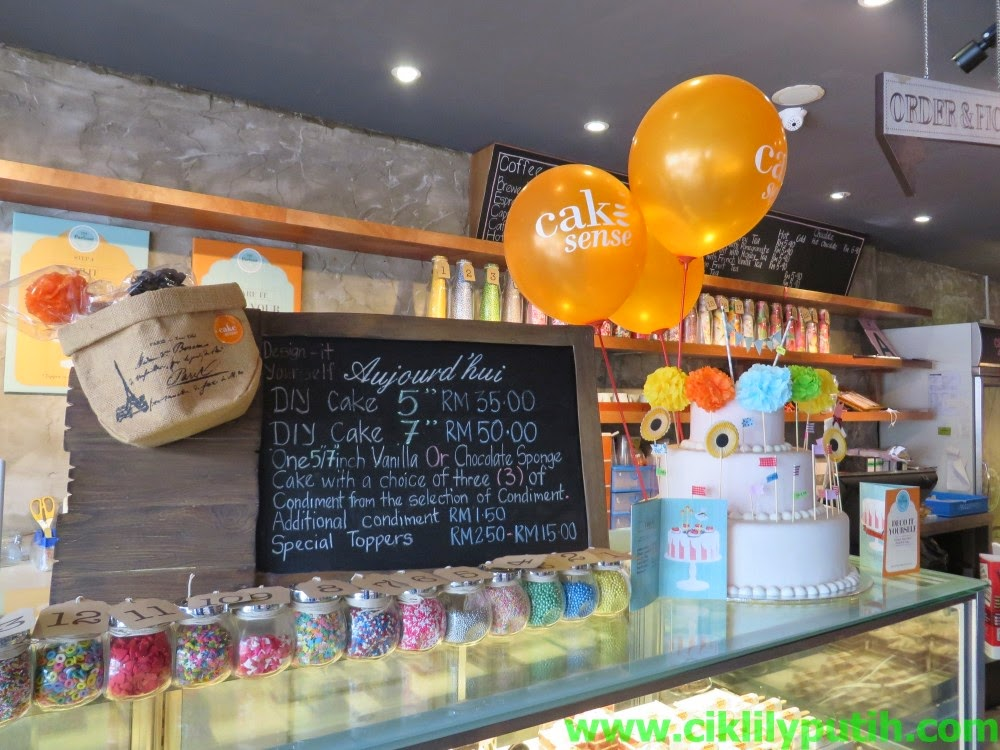 Kedai Yang Aku Pi Ni Kat Ttdi Actually 12 Outlet Lagi Di Lembah Klang Dan Selain Daripada Menjual Kek Mereka Juga Pelbagai Jenis Pastri