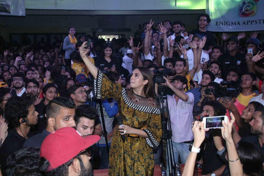 Huma Qureshi Promotes Partition: 1947 at Podar College