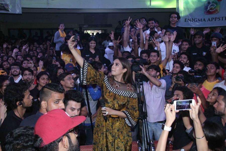 Huma Qureshi Promotes Partition: 1947 at Podar College
