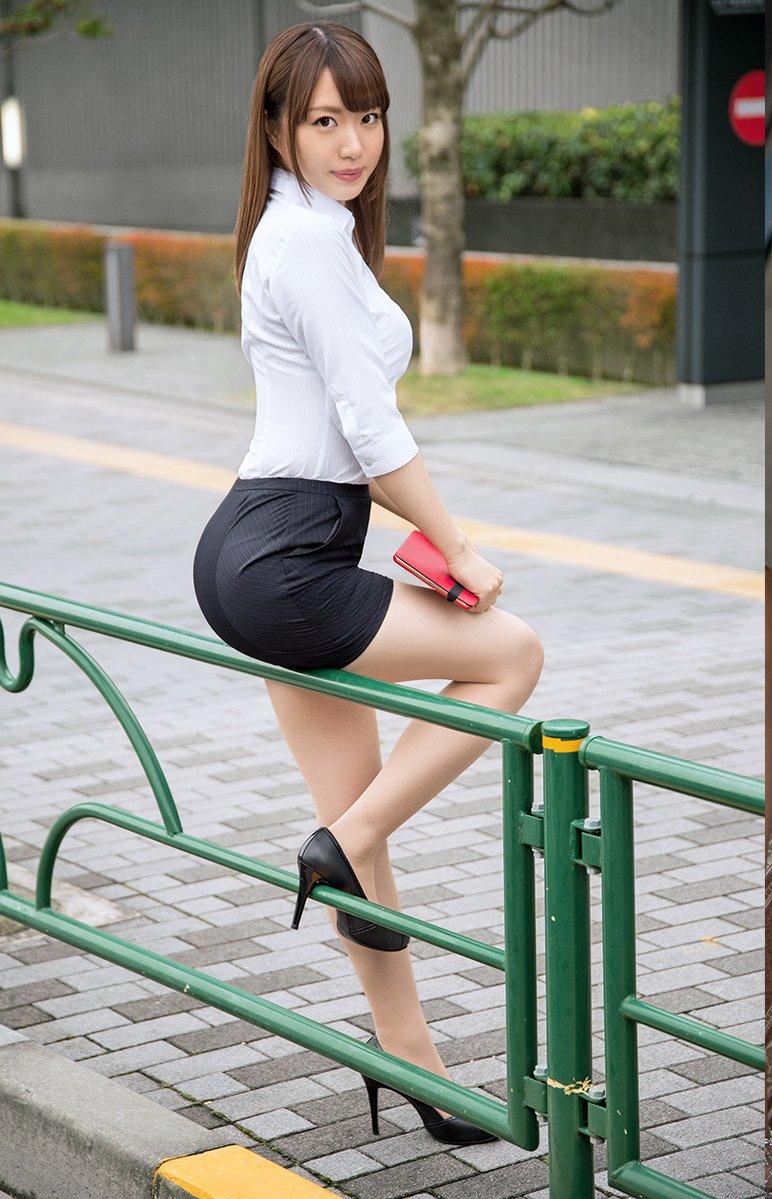 Asian mini skirt photos #8