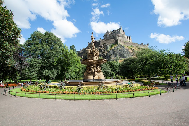 Castello di Edimburgo dai Princess street gardens