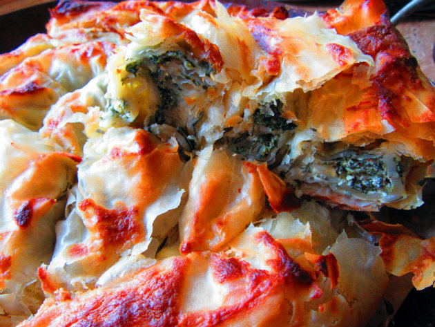 Filo pie with nettles and yoghurt by Laka kuharica: stinging nettles and yogurt filling make this crispy pie delicious