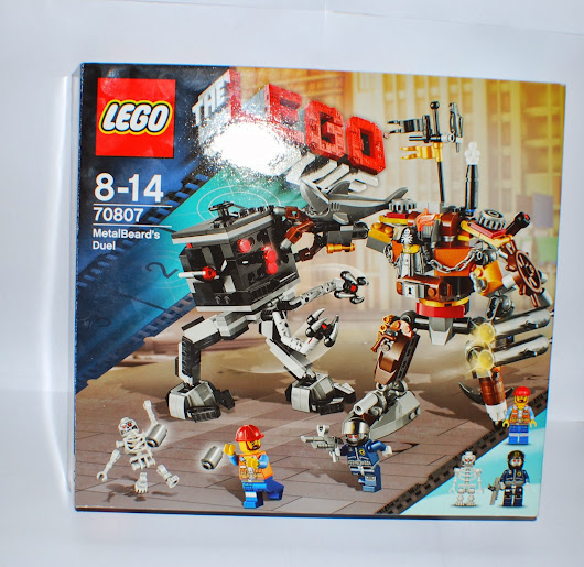 PhLUG Reviews: LEGO 70807 MetalBeard's Duel