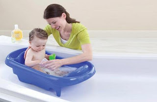فوائد الاستحمام للأطفال و طريقة الاستحمام للأطفال الرضع  و أضرار الاستحمام