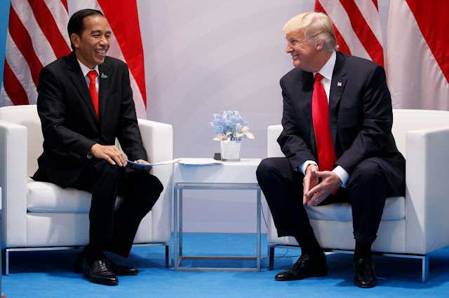 Gara-gara Kecam Donald Trump, Jokowi Disebut Lakukan Diplomasi Abal-Abal