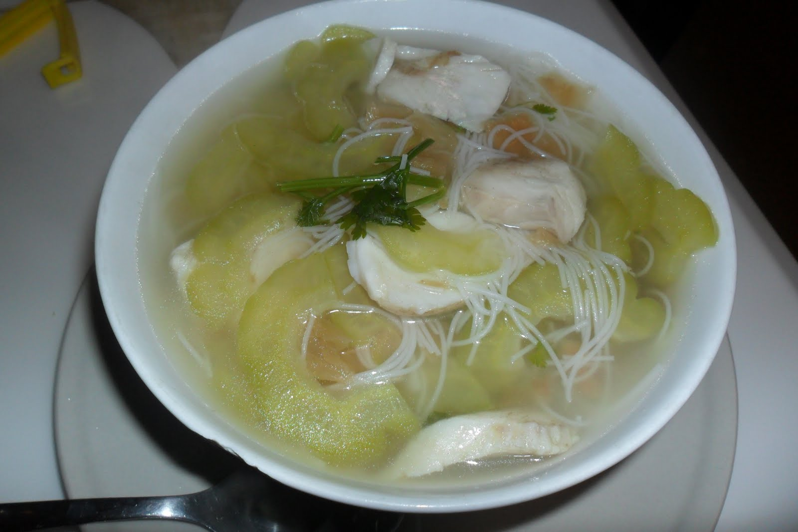 How To Cook Fish Head Bee Hoon Soup