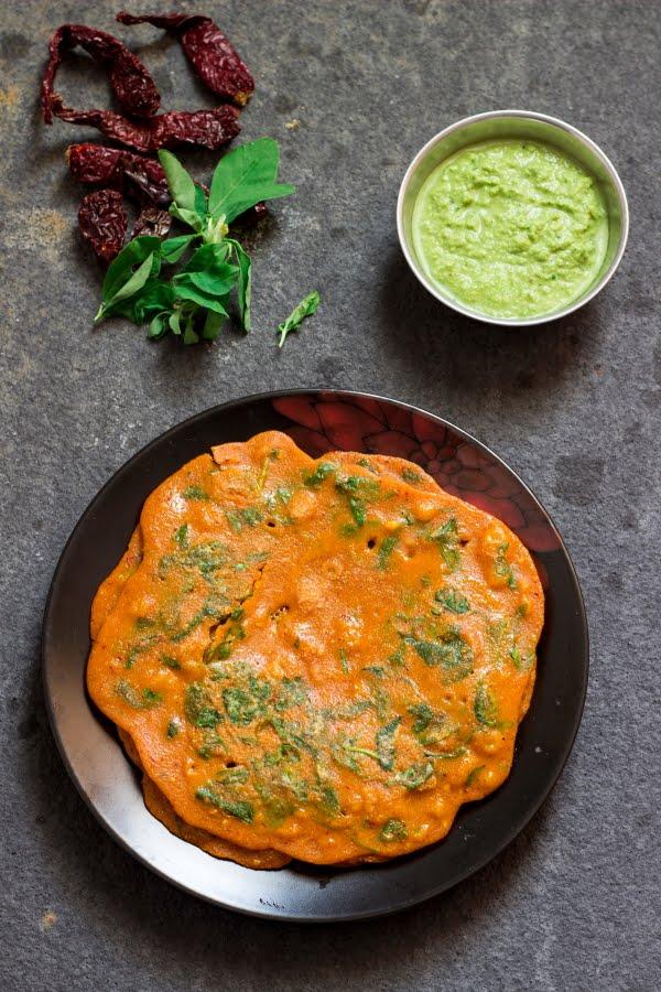How to make uppu khara dosa / uppu menasu dosa / Pathrode Dosa recipe at www.oneteaspoonoflife.com