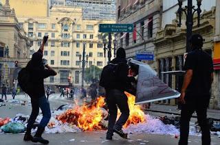 CRISE - Exército teme 'ações terroristas'