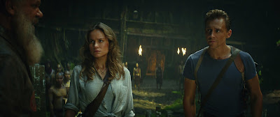 Brie Larson and Tom Hiddleston in Kong: Skull Island (3)