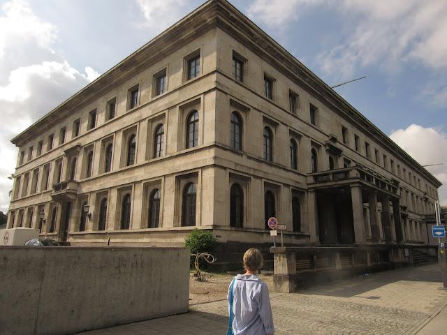 Führerbau Universidade de Música e Artes de Munique O que ver em Munique, Alemanha, nazismo