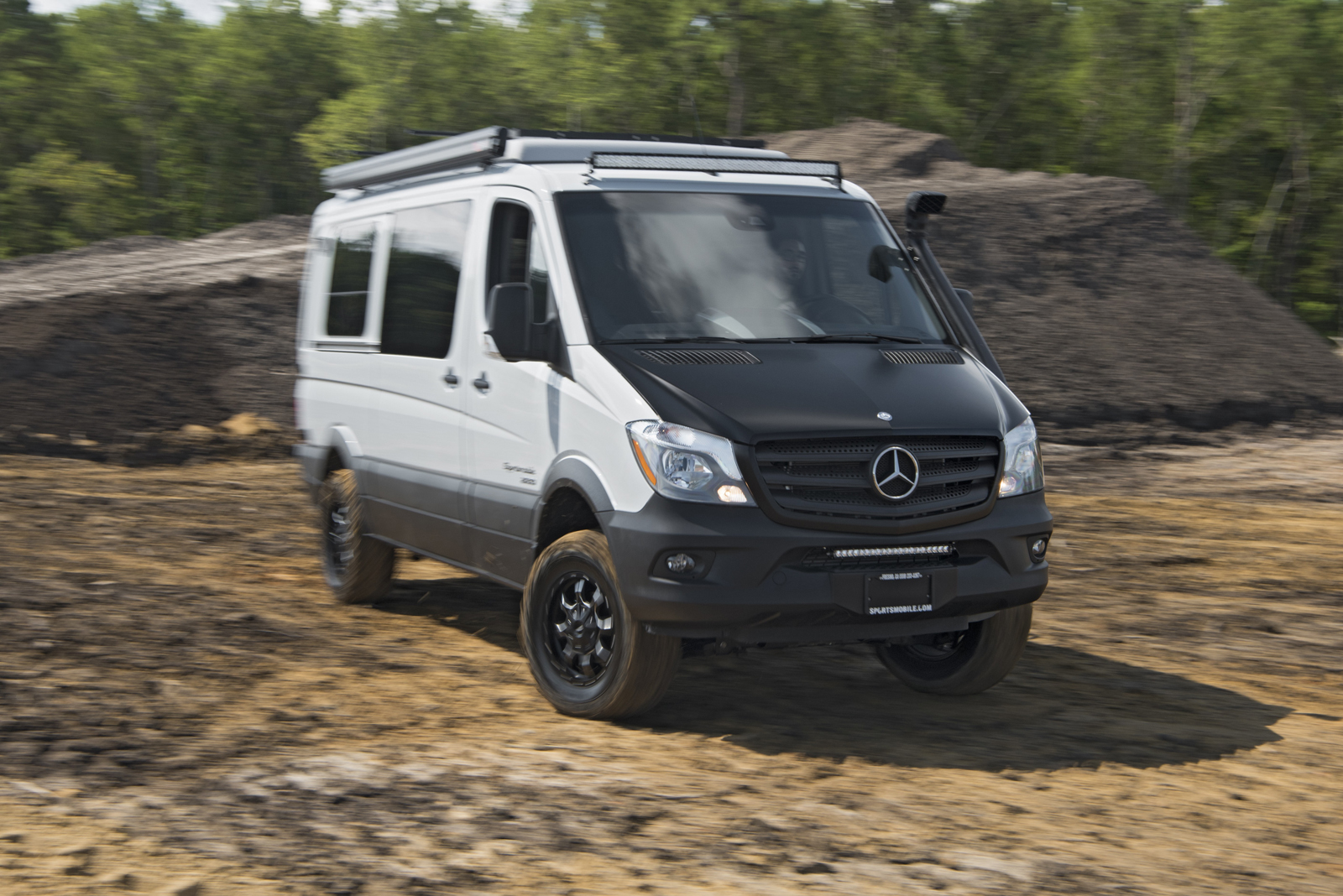 No frills metris worker van is the cheapest new mercedes for Mercedes benz conversion van