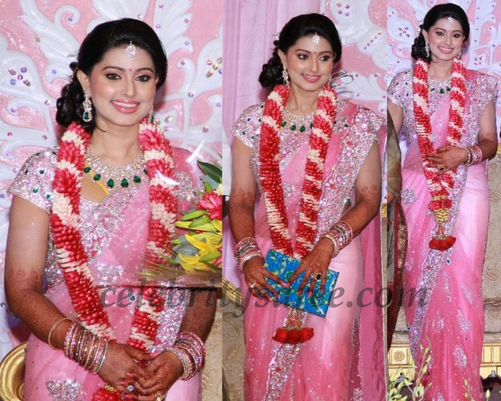 Dream Indian Wedding: Reception Attire
