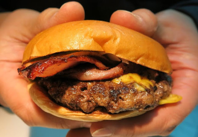 The Burger Project - The Bacon Project burger