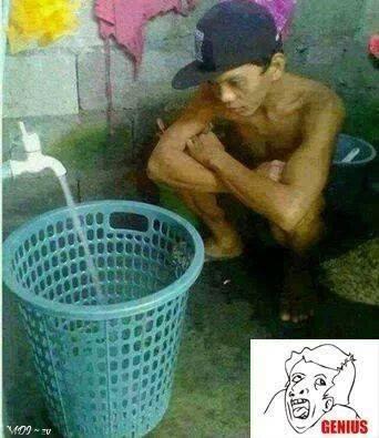 Foto BBM lucu ngisi air