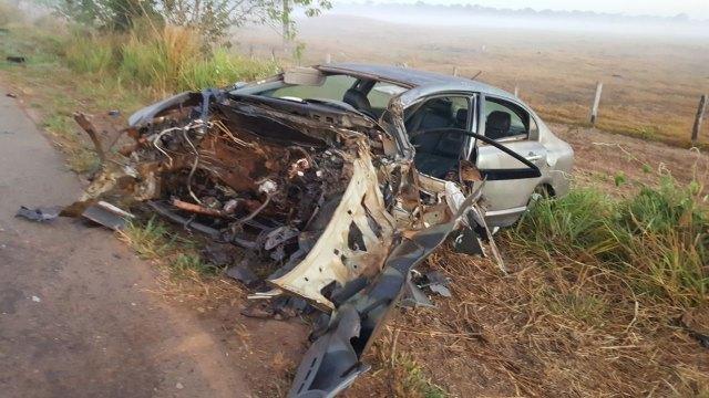 Colisão entre carro e carreta na BR 364 deixa vítima em estado grave